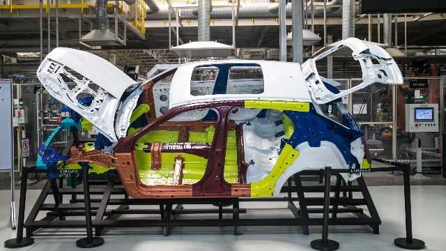 焊接机器人在汽车制造行业中的优势是什么?