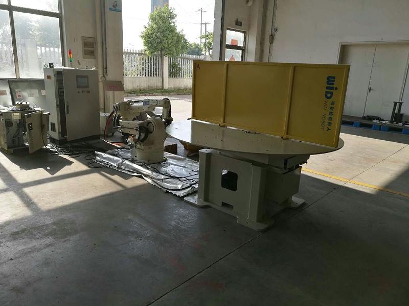 焊接机器人水平一轴工作站1