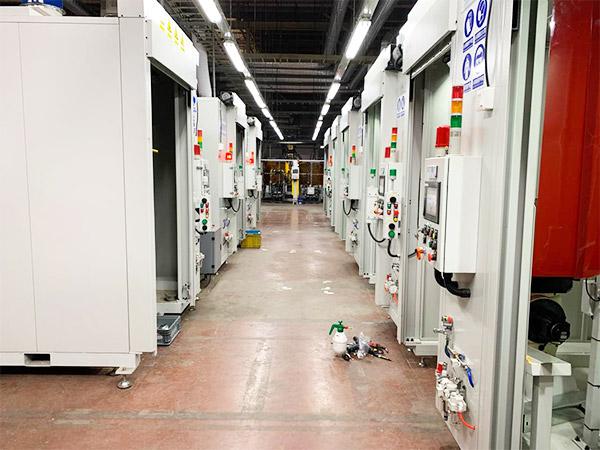 汽车排气管机器人焊接工作站案例!