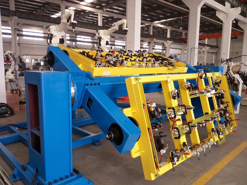 焊接机器人工作